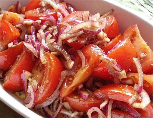Greek Style Tomato and Onion Salad