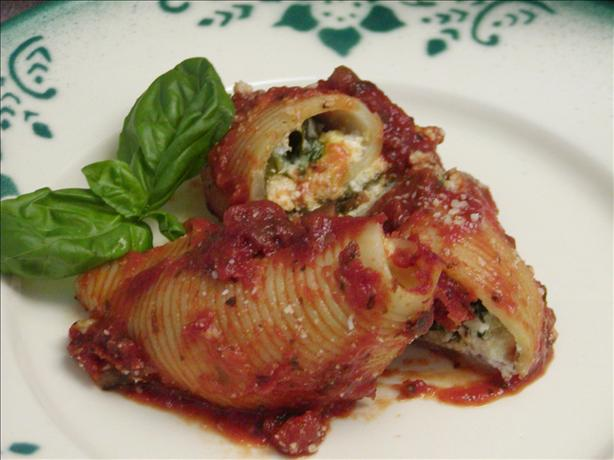 Spinach Stuffed Shells With a Mushroom Sauce