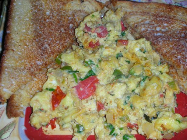 Indian Scrambled Eggs With Onion and Tomatoes (Khichri Unda)