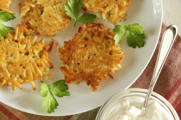 Super Simple Latkes (Potato Pancakes)