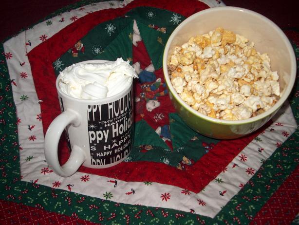 Delicious Cinnamon Popcorn