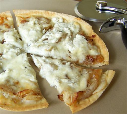 Caramelized Onion Cheese Pizza