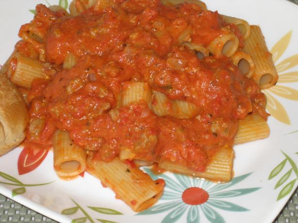 Pasta With Pink Vodka Sauce and Sausage