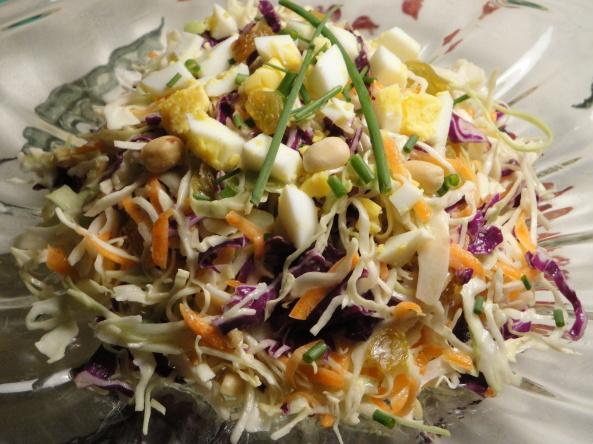 Coleslaw With Peanuts and Raisins