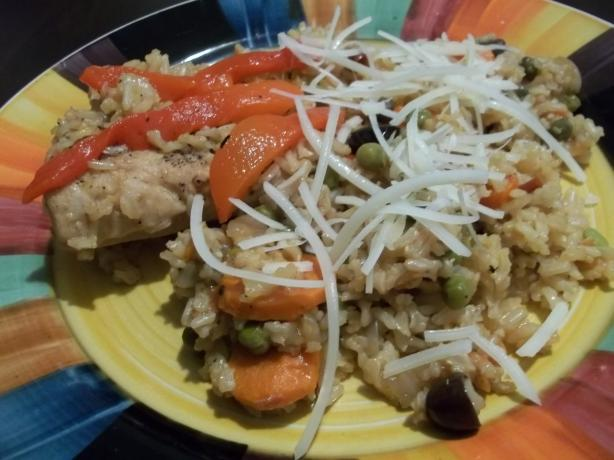 Arroz Con Pollo Chapina (Guatemalan Chicken and Rice)