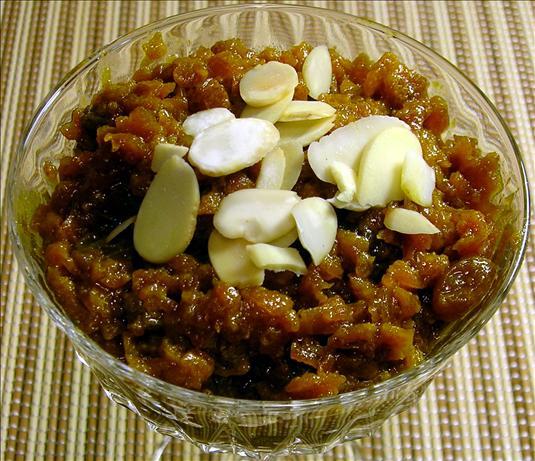 Gajar Halva (Carrot Pudding - an Indian Dessert)