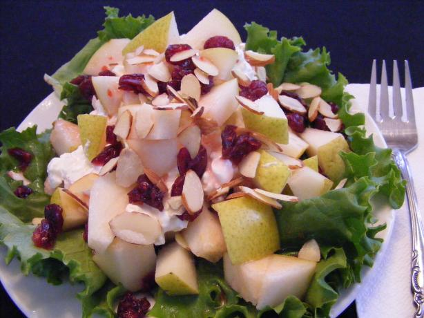 Best Pear and Almond Salad (Low Cal!!!!)