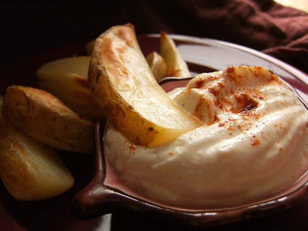 Potato Wedges With Roasted Garlic Dip