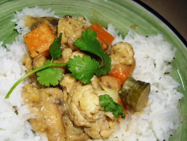 Green Coconut Curry With Vegetables