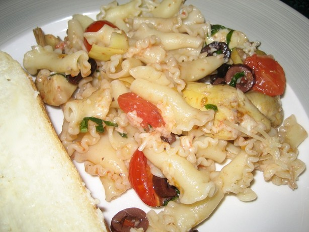 Pasta With Sauteed Tomatoes, Olives and Artichokes