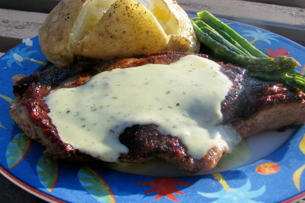 Pan-Seared Rib-Eye Steak With Béarnaise