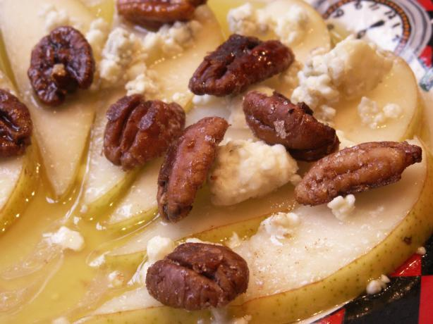 Pears With Maple, Walnuts and Gorgonzola