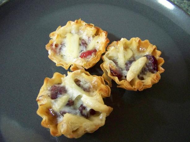 Paula Deen's Cranberry Brie