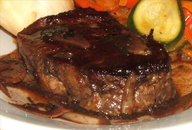 Steak in Garlic Wine Sauce