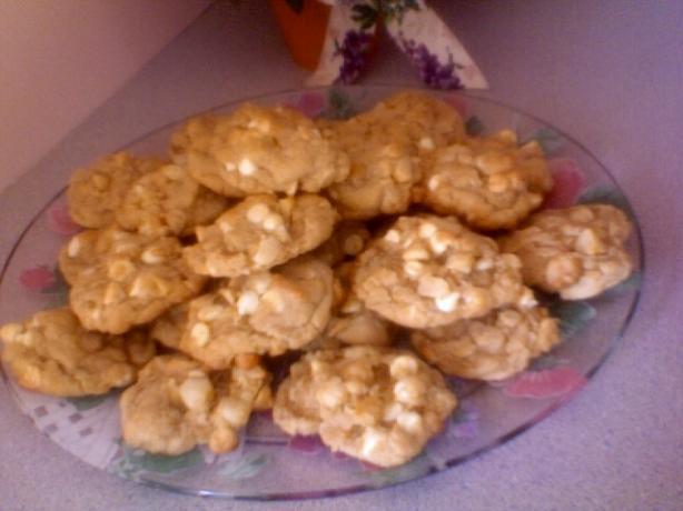 Macadamia White Chocolate Chip Cookies