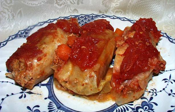 "Sweet 'n Sour Stuffed Cabbage Rolls (""golumbke"")"