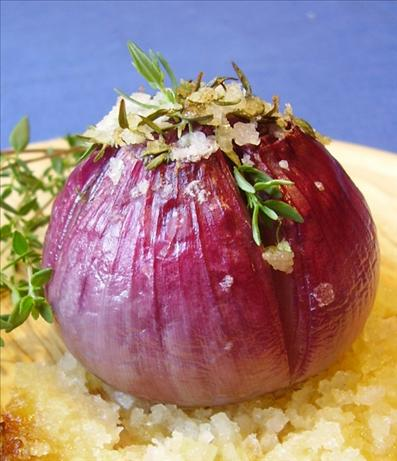 Roasted Red Onions With Thyme and Butter