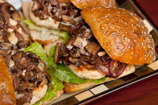 Roasted Garlic Turkey Burger W/Portabella Mushrooms