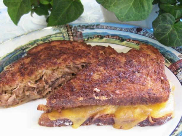 Big Thick Buttery Roast Beef 'n Cheddar Sammies / Sandwiches
