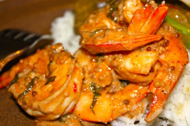 Stir-Fried Shrimp in Aromatic Tomato Cream Sauce