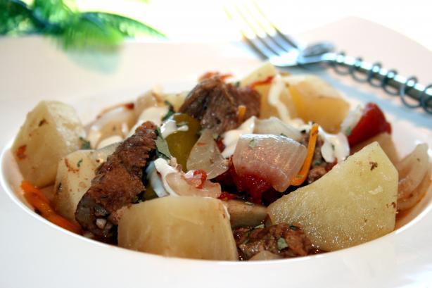 Bayrischer Gulasch: German Goulash Stew - Crock Pot or Oven