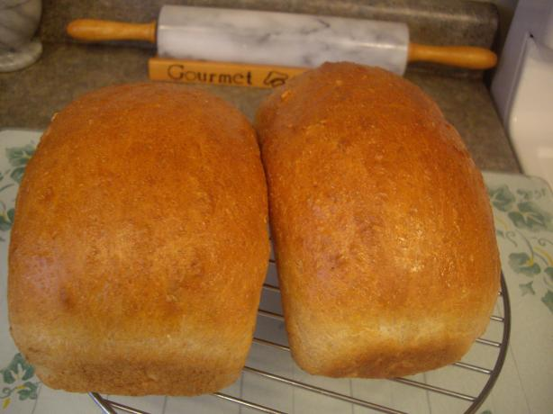Bread Machine Oatmeal-Sunflower-Seed Bread