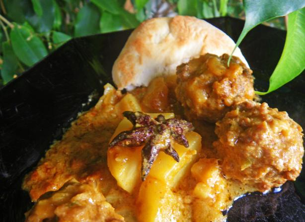 Granny's Malaysian Meatball Curry