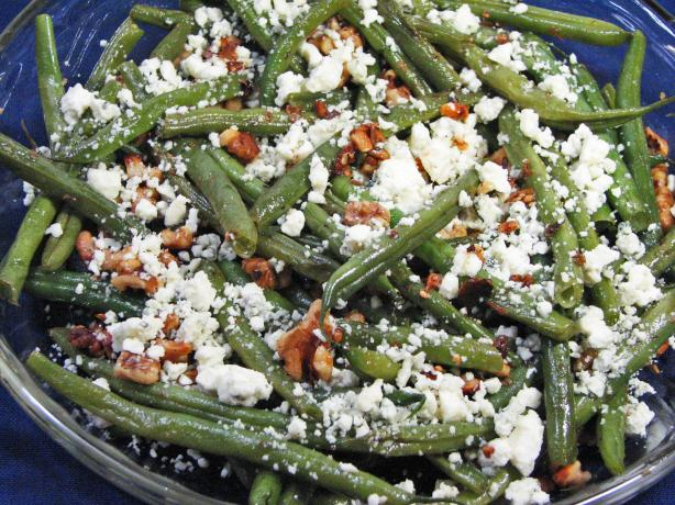 Green Beans With Blue Cheese and Walnuts