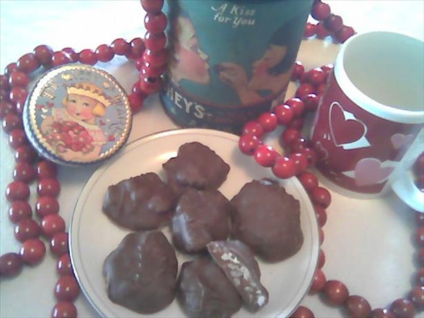 Love Nibbles * Valentine's * Caramel Pecan Clusters