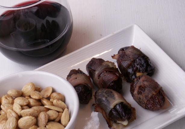 Dates Stuffed With Almonds and Blue Cheese