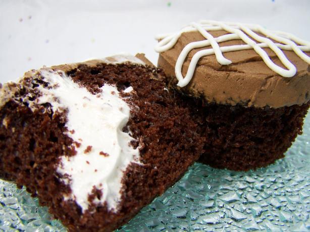 Surprise! Cream-Filled Cupcakes