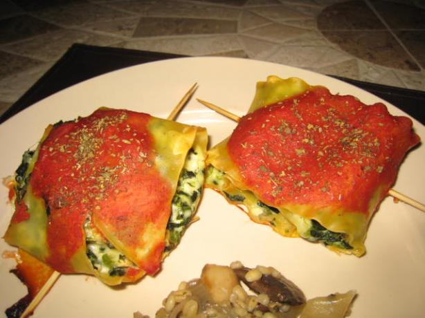 Spinach Lasagna Roll-Ups (Meatless)