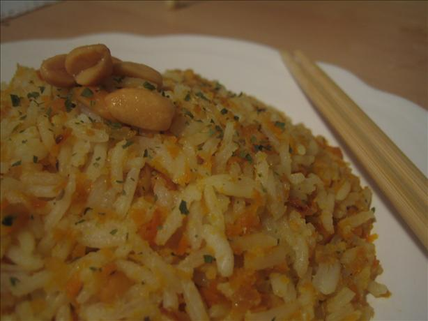 Carrot Rice with Peanuts