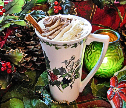 Après-Ski Holiday Hot Chocolate With Brandy and Cream