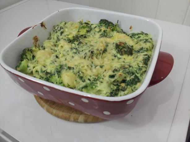 Creamy Gnocchi, Spinach and Broccoli Bake