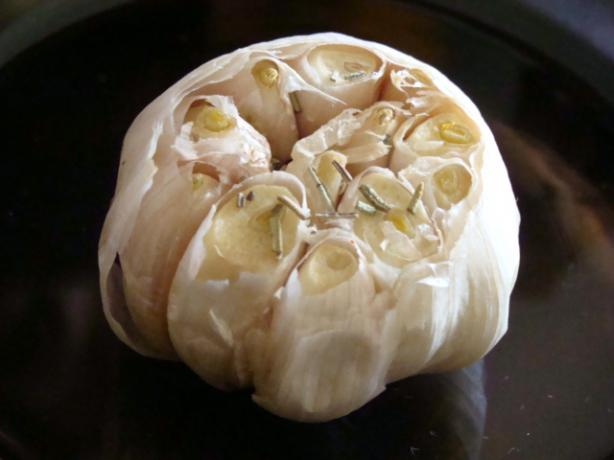 Rosemary Roasted Garlic