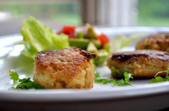 Mini Crab Cakes With Avocado Salsa