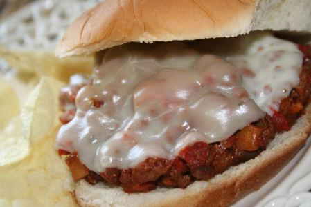Hot Sandwich With Meat and Mushroom Sauce
