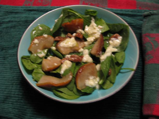 Baby Spinach, Pear and Walnut Salad