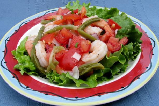 Ensalada De Nopales Y Camarones - Cactus and Shrimp Salad