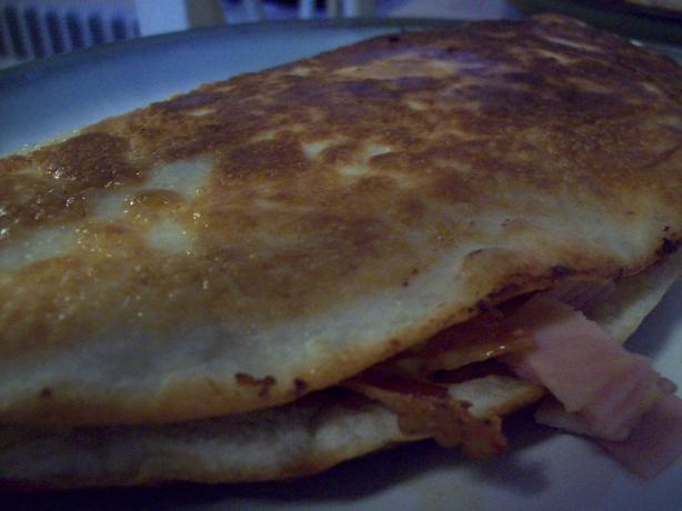 Bacon and Egg Ranch-Salsa Breakfast Quesadillas