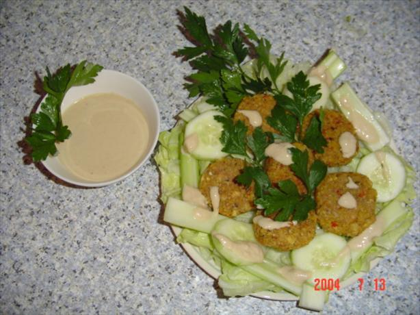 Falafel With Taratoor Sauce