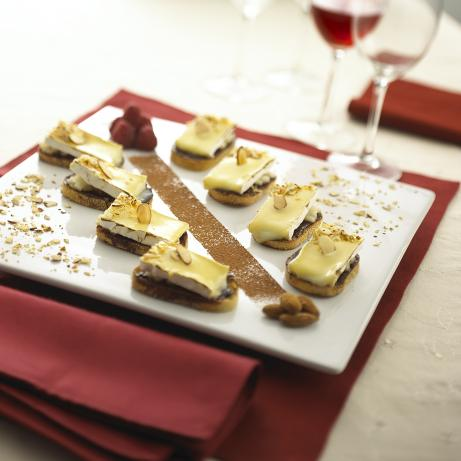 Brie With Pear and Chocolate Wine Sauce