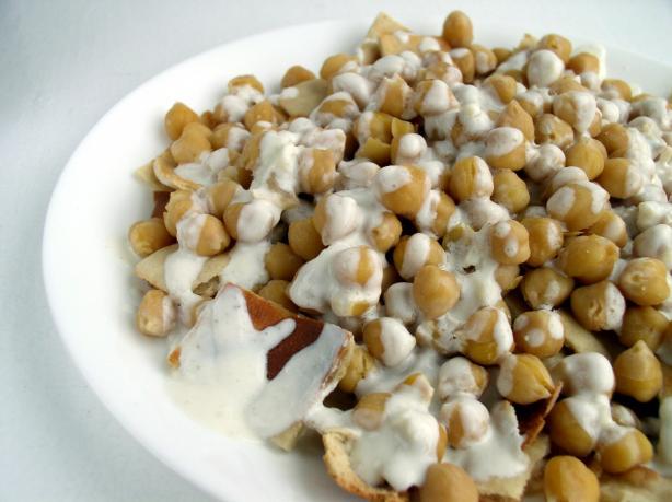 Fatit Hummus (Chickpea Casserole)