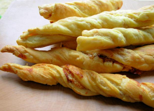 Love It or Hate It - Marmite and Cheese Straws With a Twist!