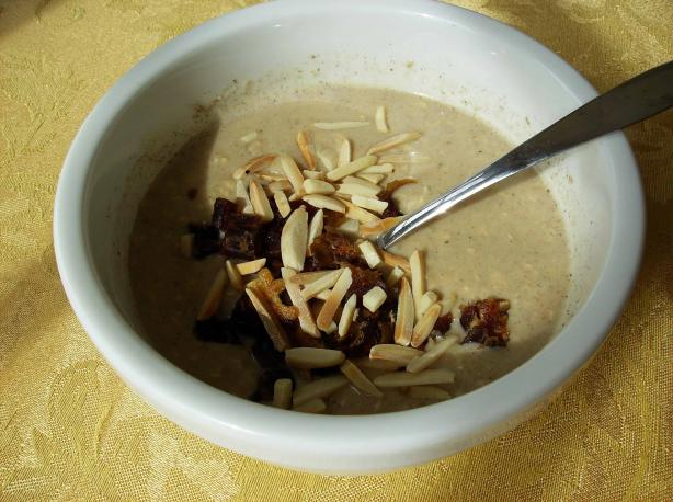 Middle Eastern Tahini Oatmeal (Vegan)