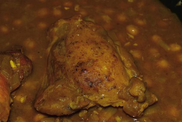 Moroccan Chicken Thighs With Chickpeas and Raisins