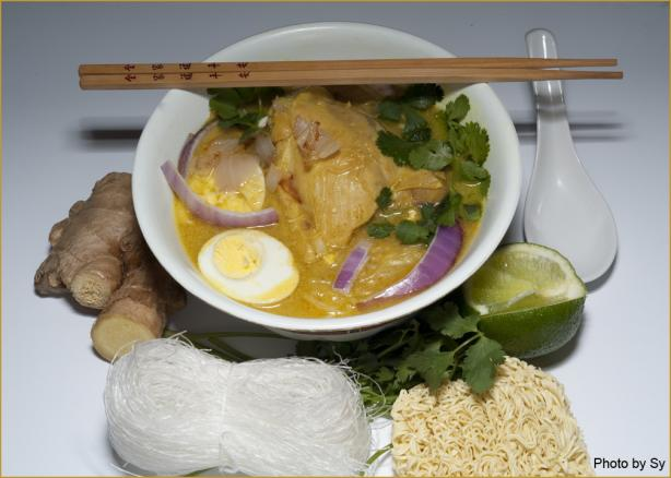 Ohn-No-Kauk-Swe (Burmese Chicken Soup)