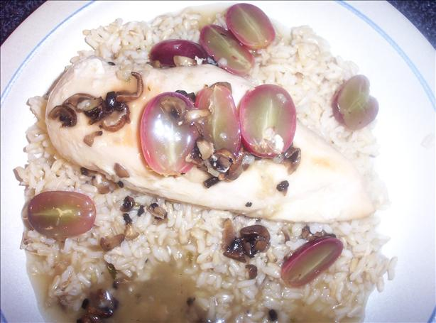 Chicken Véronique With Brown Rice