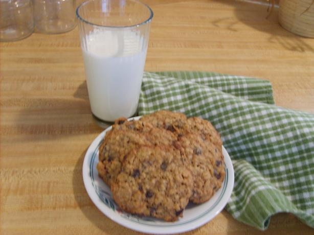""" Flaky"" Oatmeal-Raisin Cookies"